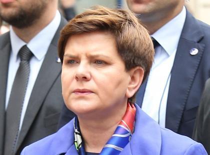 Wiemy już na pewno, czy premier Beata Szydło będzie w poniedziałek pracować czy protestować