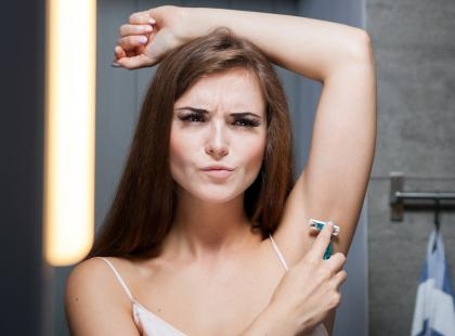 Wiesz, że damskie maszynki do golenia są droższe niż te dla facetów? Znana sieć sklepów wytacza wojnę absurdalnym nierównościom płci!