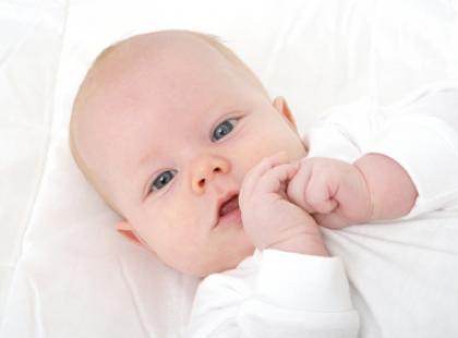 Wilgotne dłonie i stópki u niemowlęcia