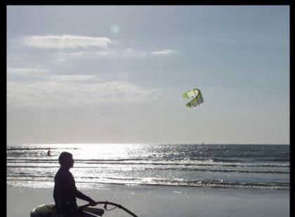 Windsurfing: jak nabrać i utrzymać prędkość?