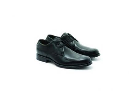 Wiosenno-letnia kolekcja obuwia meskiego Clarks