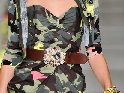Wiosna/Lato 2010: Moda wzywa do wojska