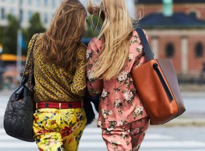 Wiosną rozkwitają nie tylko na sukienkach. Ten print króluje także w nowej kolekcji Zary