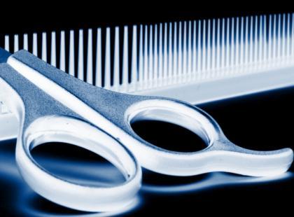 Wizyta u fryzjera podczas miesiączki