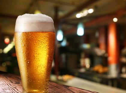 Właściwe serwowanie piwa w pubach