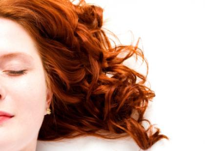 Włosy rozpalające ogień w sercu