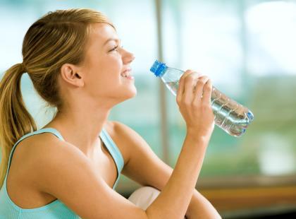 Woda czy izotonik - co pić w trakcie wysiłku fizycznego?