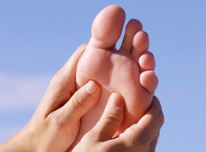 Wszystko co musisz wiedzieć żeby problemy z nogami nie popsuły Ci urlopu
