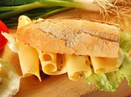 Wszystko, co powinnaś wiedzieć o żółtym serze