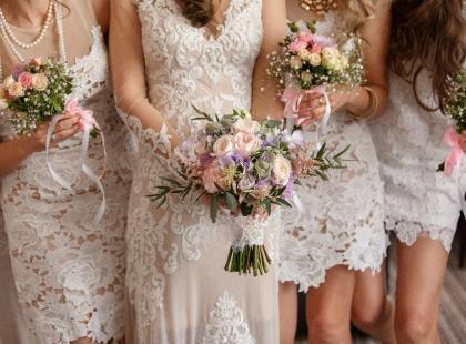 Wybrałyśmy 5 modnych sukienek na wesele! Ceny poniżej 200 zł!