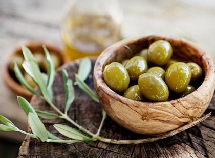Wyposażenie kuchni - przydatne akcesoria i naczynia na oliwki