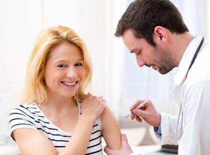 Wysoka skuteczność szczepień przeciwko wirusowi brodawczaka ludzkiego (HPV)