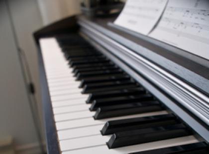 Wystrój wnętrz a instrumenty muzyczne.