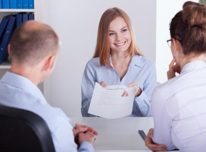 Wysyłasz CV i nic? Podpowiadamy, jakie umiejętności warto wyeksponować w CV, by wygryźć konkurencję!