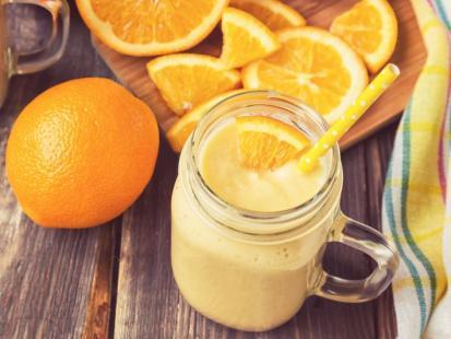 Wzmacniający sok owocowy z imbirem