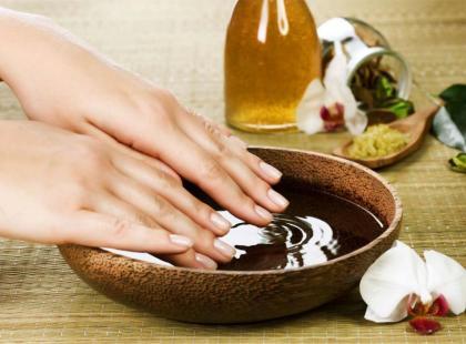 Wzmocnij paznokcie olejkiem