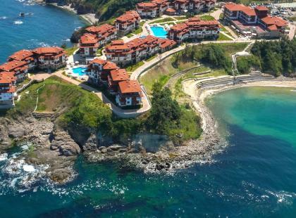Z biurem podróży czy na własną rękę? Podpowiadamy, jak zorganizować wakacje w Bułgarii!