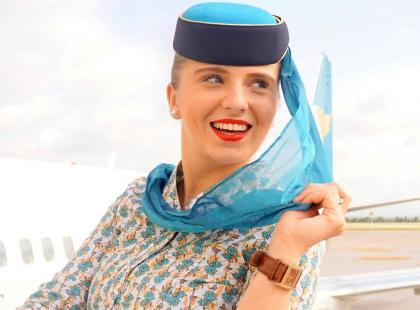 """Z głową w chmurach? O prawdziwym """"Życiu stewardessy"""" rozmawiamy z najpopularniejszą polską stewardessą-blogerką Olgą Kuczyńską"""
