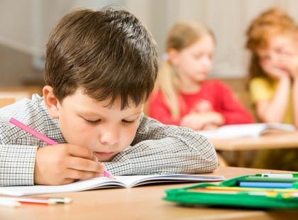 Z jakimi problemami dziecko spotyka się w szkole? [video]