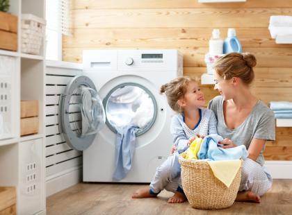 Z wizytą w Centrum Badawczo-Rozwojowym Procter&Gamble w Brukseli sprawdzamy, jak ważne jest odpowiednie pranie dla kondycji twoich ubrań!
