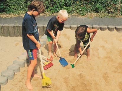 Zabawa w ogródku z dzieckiem