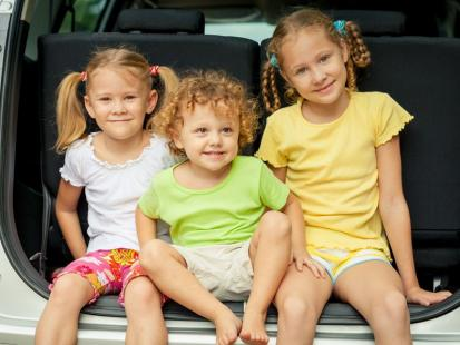Zabawki do samochodu, które umilą podróż dziecku