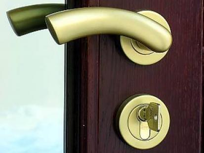 Zabezpiecz mieszkanie przed złodziejem