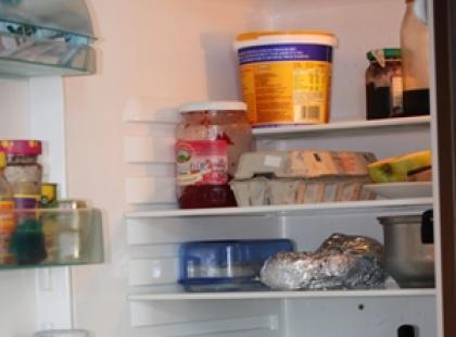 Zabezpieczamy jedzenie w lodówce