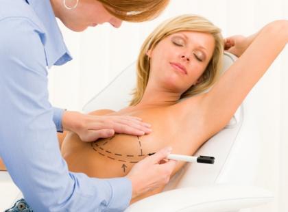 Zabieg zmniejszenia piersi – przydatne informacje