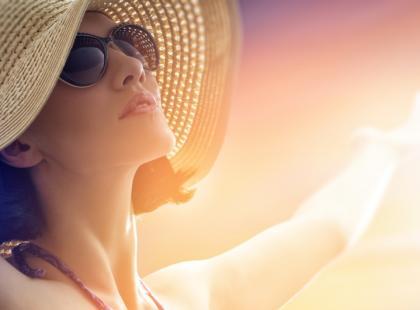 Zabiegi medycyny estetycznej chroniące przed słońcem
