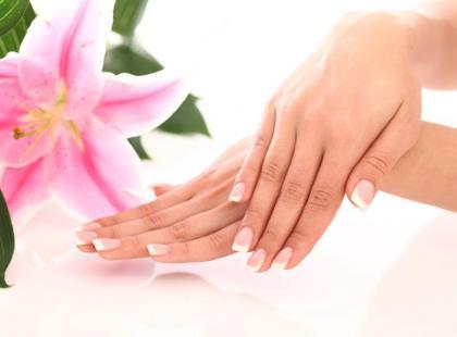 Zabiegi regeneracyjne dla dłoni po zimie