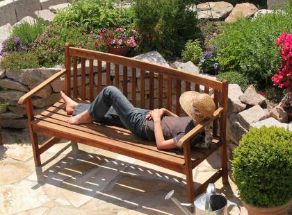 Zadaj szyku i ustaw w ogrodzie ławkę. 5 ciekawych modeli z działu Obi meble ogrodowe