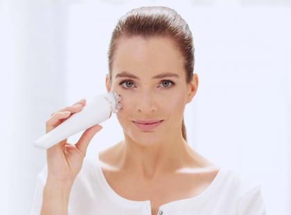 Zadbaj o skórę twarzy z urządzeniem Philips VisaPure Advanced