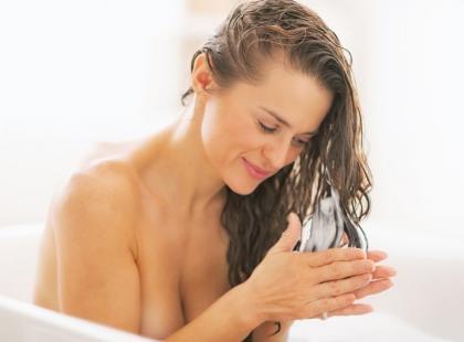 Zadbaj o włosy: pomysły na domowe maseczki