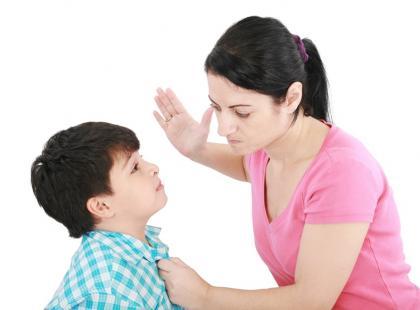 Zakazana przemoc – jak reagować na bicie dziecka?