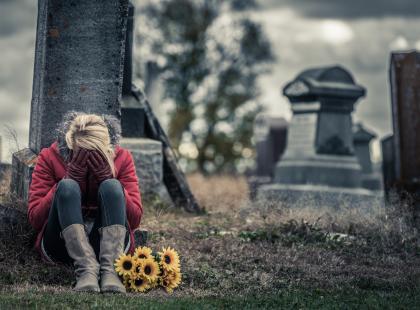 Żałoba – jak radzić sobie ze stratą bliskiej osoby?