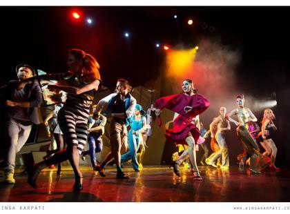 """Zapraszamy na wspaniały musical """"Kobiety na skraju załamania nerwowego"""" w reż. Dominiki Łakomskiej do Teatru Rampa!"""