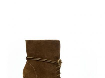 Zara - obuwie na jesień i zimę 2010/2011