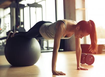 Zastanawiacie się jak postępować po treningu? Podpowiadamy co jeść i jakie suplementy stosować