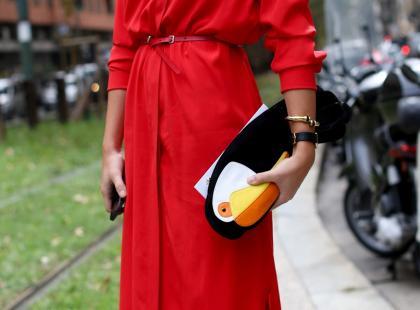 Zastanawiasz się, jaki lakier dobrać do czerwonej sukienki? Oto 6 propozycji!