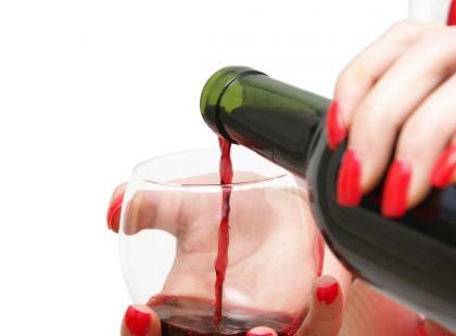 Zatrucie alkoholem może przydarzyć się niemal każdemu! Sprawdź, jakie powoduje objawy