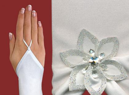Zdobione ręcznie rękawiczki ślubne bez palców