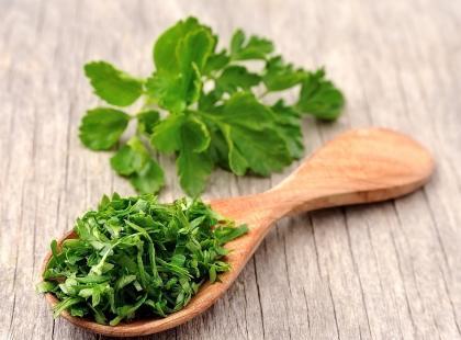 Zdrowo przyprawione, czyli jak stosować zioła?