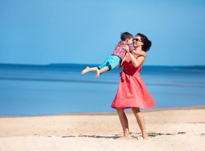 Zdrowo w wakacje – poradnik dla rodziców