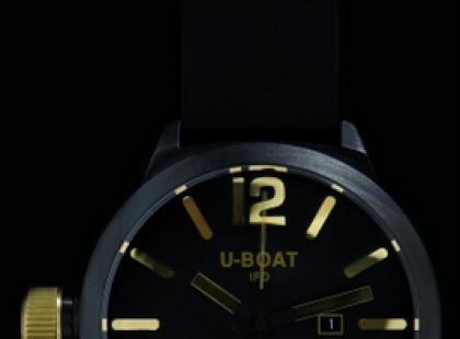 Zegarek U-Boat  lśni blaskiem rubinu i złota