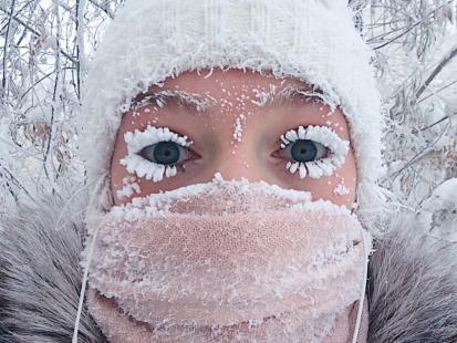 Zimą jej zdjęcie z oszronionymi rzęsami i brwiami stało się viralem. Teraz Anastasia z Syberii pokazała, jak wygląda u niej lato