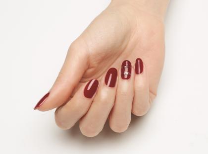 Złote paznokcie - 10 propozycji