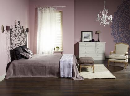 Zmysłowa sypialnia w stylu new romantic