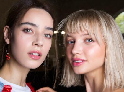 Zna je każda kobieta! 18 kultowych kosmetyków do makijażu