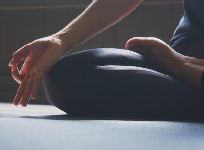Znajdź chwilę na relaks i wyciszenie. Jak medytować? Zobacz nasz poradnik